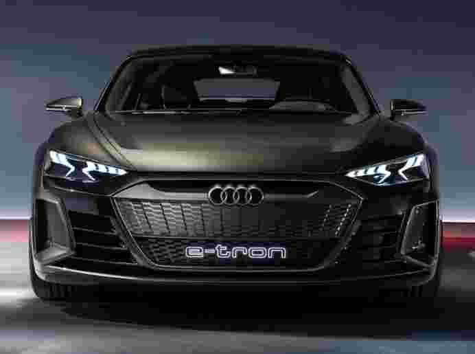奥迪推出先全电动轿车,E-Tron GT;可以在2021年底在印度推出