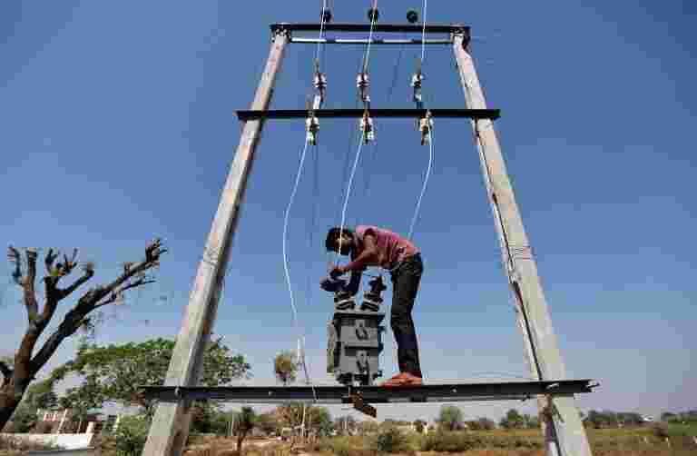 电力秘书表示,Modi政府带来了新的政策,提高了炸弹措施的效率