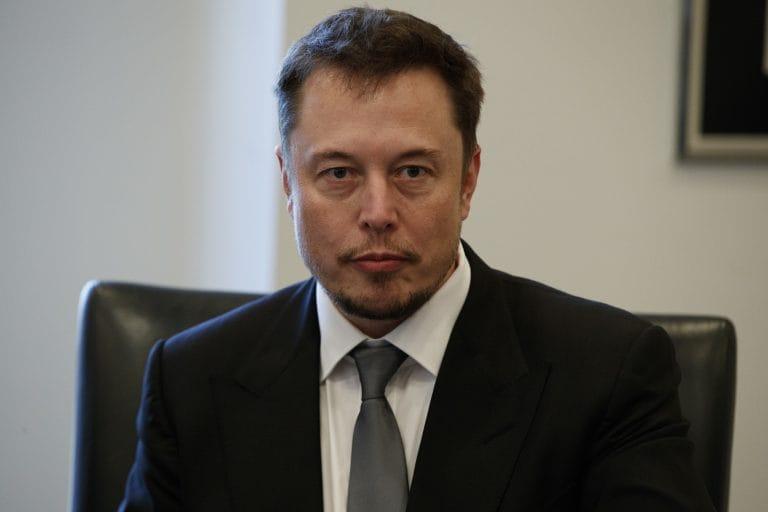 Elon Musk可能是2025年世界上第一个TrillionAishe,预测资产管理公司
