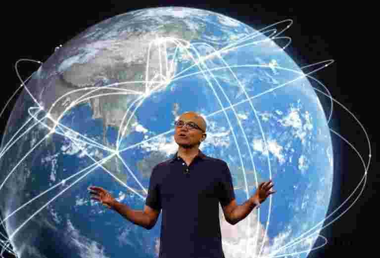 Microsoft CEO Satya Nadella收到66%的薪资加息,因为公司的市场资本化跨越8000亿美元