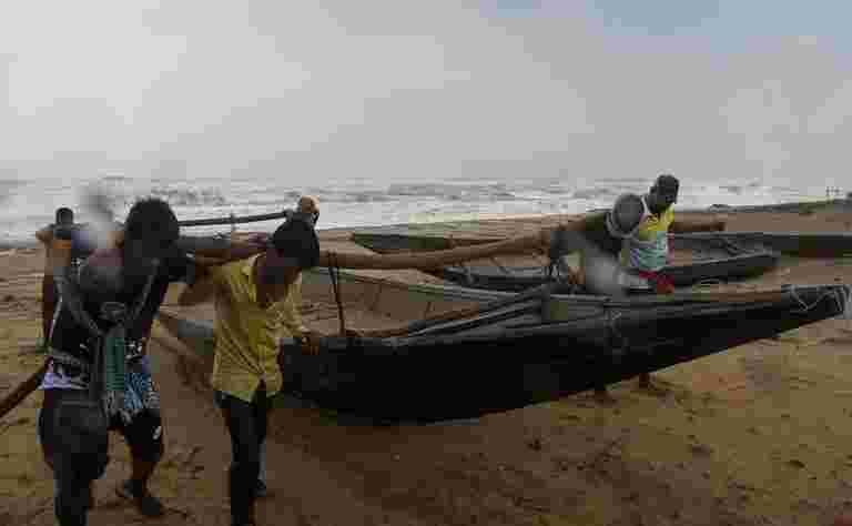 11月15日,Cyclone'Gaja'可能会在Pankan和Cuddalore之间穿越海岸