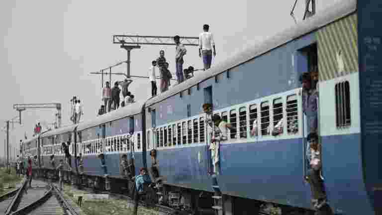 Amritsar火车悲剧:铁路否认责任
