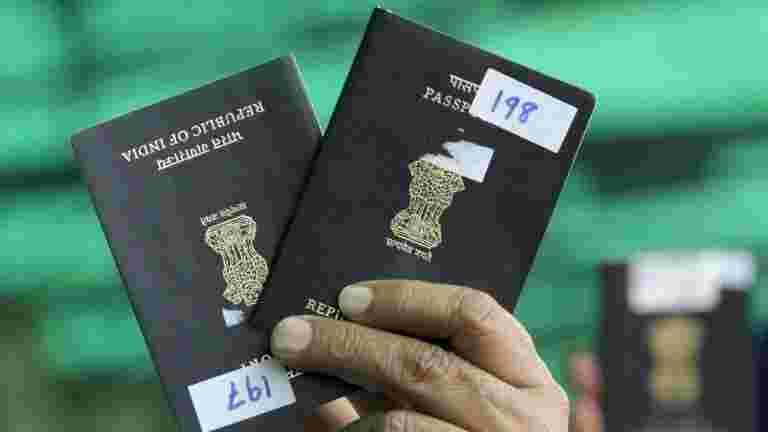 """印度在每个543个议会选区中打开""""护照塞维亚肯德尔"""",说V K Singh"""