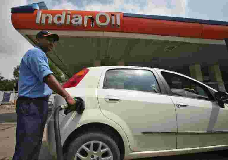 石油公司提前分配65,000辆汽油泵