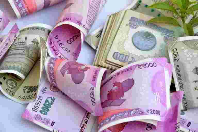政府预计将在30,000亿亿亿亿卢比前往过冲目标的直接税收:报告